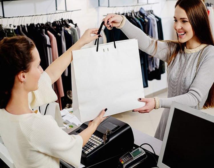 Chia sẻ kinh nghiệm tư vấn bán quần áo cho khách hàng giúp tăng thu nhập hiệu quả